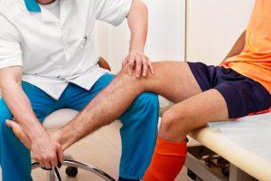Assessing Osgood schlatters knee